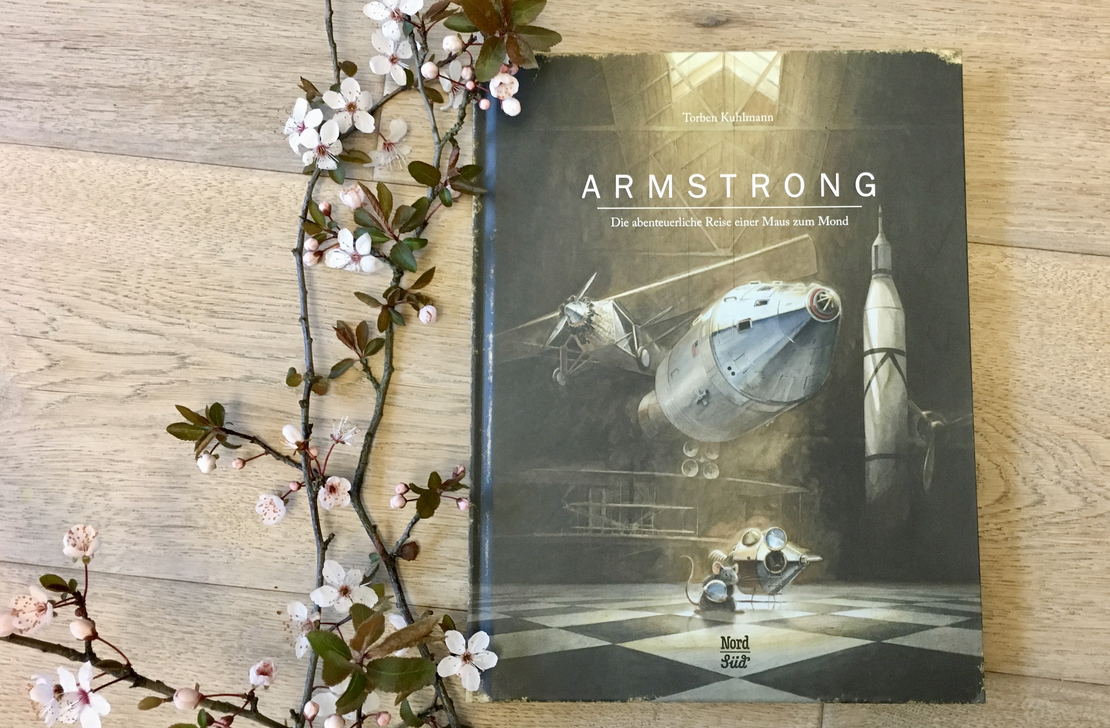 Armstrong von Torben Kuhlmann