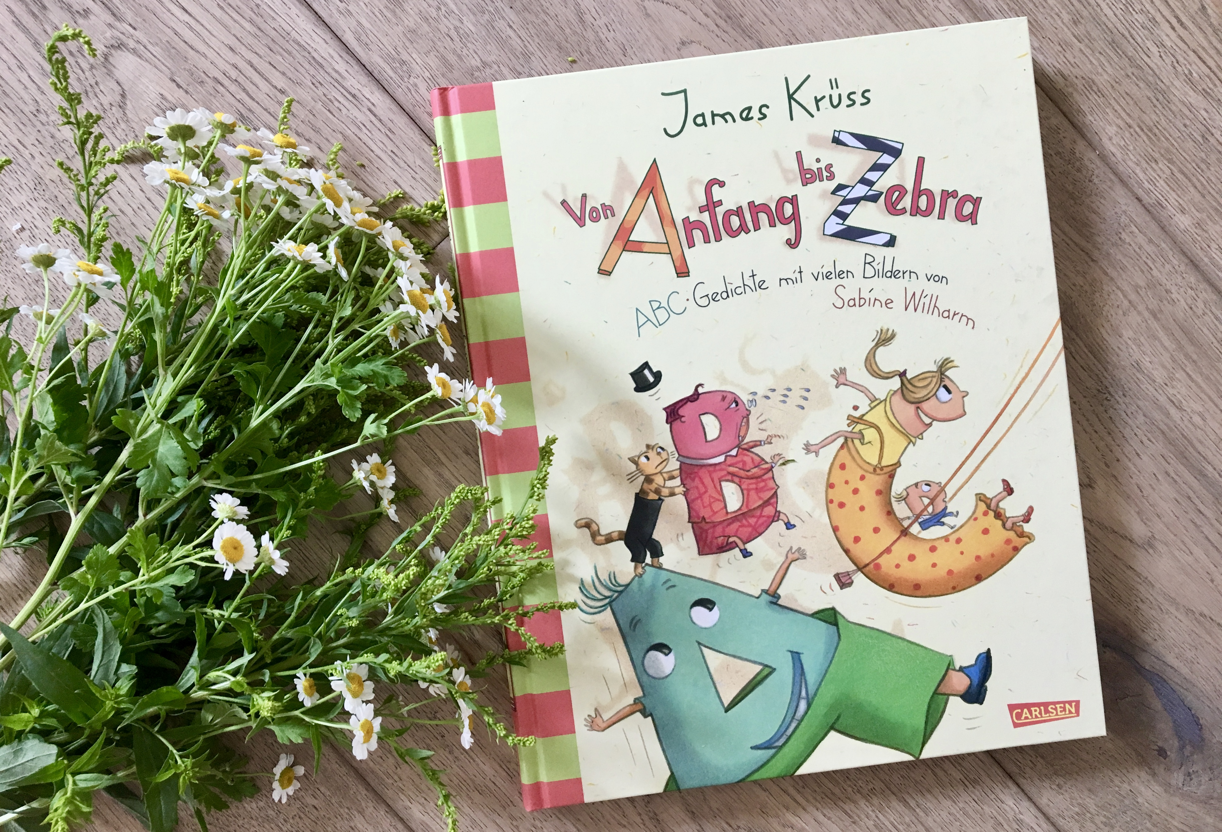 Von Anfang bis Zebra on James Krüss (Text) und Sabine Wilharm (Illustration)