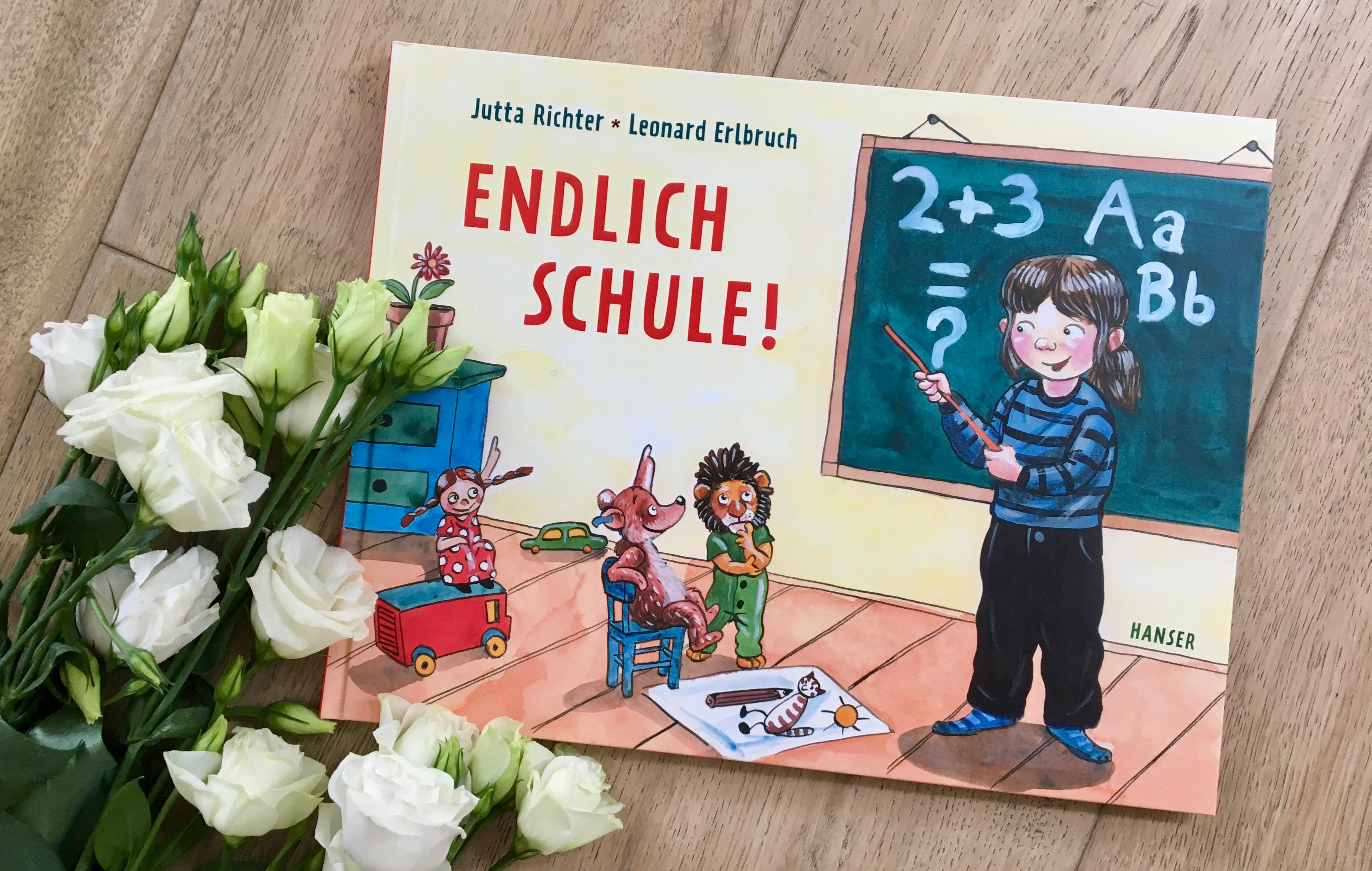 Endlich Schule! von Jutta Richter (Text) und Leonard Erlbruch (Illustration)