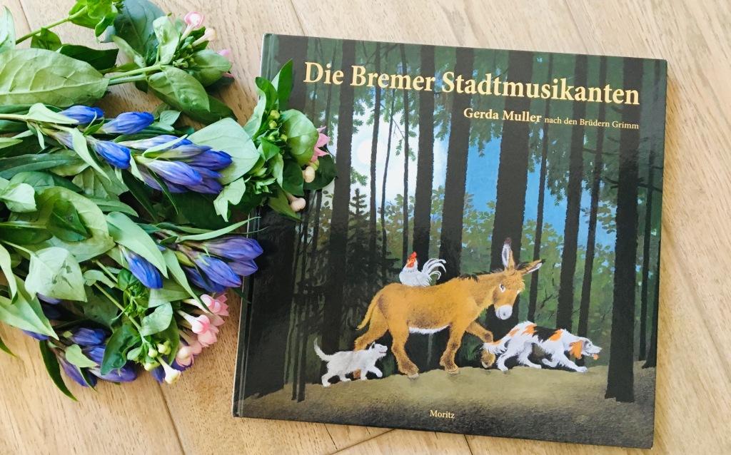 Die Bremer Stadtmusikanten nach den Brüdern Grimm und Gerda Muller (Illustration)